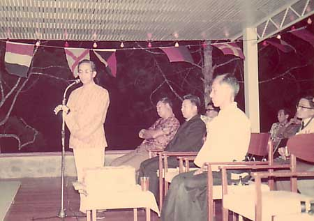 Tun Rahman Yakub explaining the philosophy behind Aikido, where in Aikido there is no tournament. In the background, Shihan Yamada in his younger days