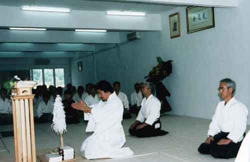 What an auspicious ceremony to have the proper way for Dojo opening outside Japan that was Doshu's impressions for. One of scene taken during the opening ceremony of Yamada Jun Shihan's Dojo at Hartamas, 24 September 2001
